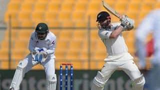 अबू धाबी टेस्ट: 59 पर गिरे 2 विकेट, 94 रनों से पीछे पाकिस्तान