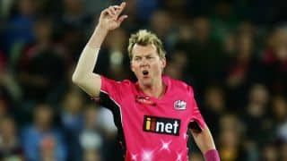 Brett Lee's last two wickets in Big Bash League 2014-15 final