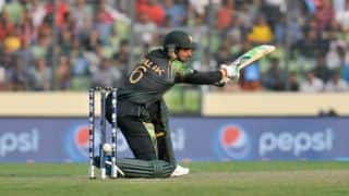 Shoaib Malik hit on the head; shows late concussion symptoms