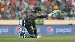 Shoaib Malik hit on the head; shows late concussion symptoms