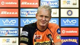 Tom Moody drops a hint on who could replace David Warner against Mumbai Indians