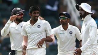 जोंटी रोड्स बोले- टीम इंडिया को खल रही भुवी और बुमराह की कमी