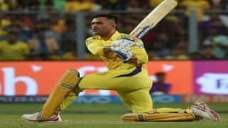 IPL 2018 : बैंगलोर के बेस्ट स्पिनर को धोनी ने मारे 3 छक्के