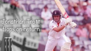 Jonathan Trott flops on County comeback
