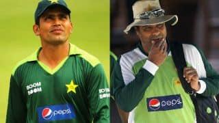 Kamran Akmal slams Waqar Younis; calls him