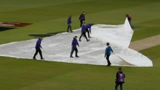 Former cricketers condemn 'slow' pitch in India vs New Zealand semi-final match