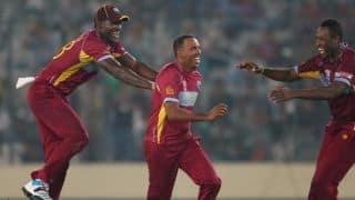 Sri Lanka stutter after good start; score 65/3