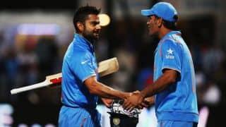 जब विराट कोहली को महेंद्र सिंह धोनी ने यादगार के तौर पर दी हस्ताक्षर की हुई गेंद