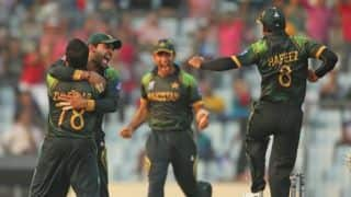 Pakistan cricketers take anti-polio vaccine to create awareness in country