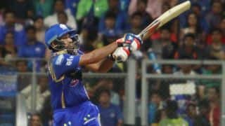 Rohit Sharma dismissed for 50 by Dwayne Bravo against Chennai Super Kings in IPL 2015 Final