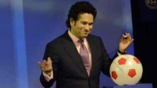 Sachin Tendulkar honours two CISF officers during ISL match