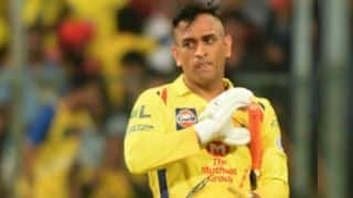 महेंद्र सिंह धोनी ने जीत के बाद भी विकेट से जताई नाराजगी