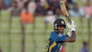 Angelo Mathews dismissed by Suresh Raina for 23