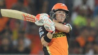 David Warner's outrageous 92 boosts SRH to 194 for 5 against RCB in IPL 2016, Match 27