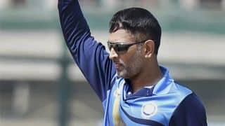 महेंद्र सिंह धोनी की कप्तानी में झारखंड की टीम विजय हजारे ट्रॉफी के क्वॉर्टर फाइनल में पहुंची