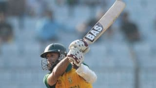 Amla's century helps South Africa set a target of 310