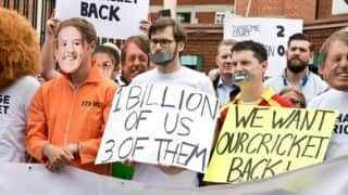 #ChangeCricket protest outside The Oval ahead of the Ashes 2015 final Test