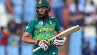 डुसेन और अमला के अर्धशतक, न्यूजीलैंड के सामने 242 रन का लक्ष्य