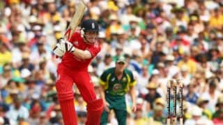 Eoin Morgan, Tim Bresnan guide England to 243/9 against Australia in 3rd ODI at Sydney