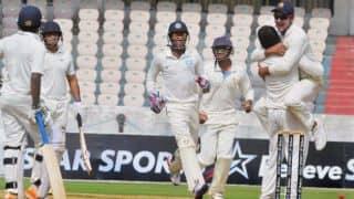 Ranji Trophy 2013-14 final: Karnataka bowl Maharashtra out for 305