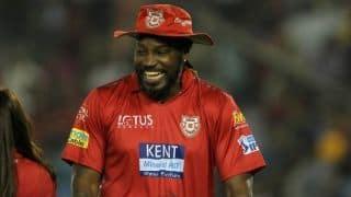 IPL 2018 :  'मस्तमौला' क्रिस गेल का फनी वीडियो देख हंसी नहीं रोक पा रहे फैंस