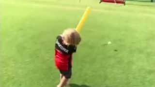 Watch AB de Villiers Jr. play cricket with his dad