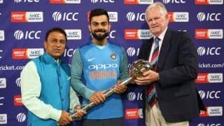 Sunil Gavaskar, Graeme Pollock hand Virat Kolhi ICC Championship Test mace