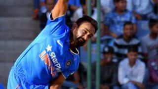 Ross Taylor, BJ Watling dismissed by Amit Mishra in 5th ODI vs India