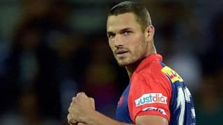 Deepak Hooda hit wicket for 10 by Nathan Coulter-Nile against DD in IPL 2016