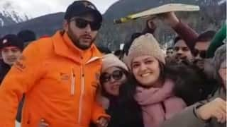 Video: Shahid Afridi's noble gesture for Indian flag wins hearts