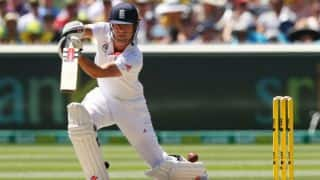Alastair Cook completes 8,000 runs in Test cricket