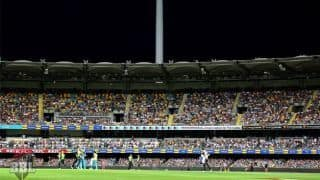 BBL clash between Brisbane Heat and Sydney Thunder abandoned after power outage