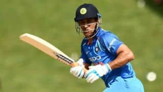 Dhoni may have to change his bat to adhere to new guidelines