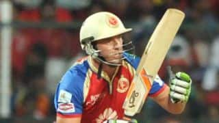 AB de Villiers propels Royal Challengers Bangalore to a big score after Virat Kohli dissmissal against Sunrisers Hyderabad in IPL 7 match