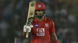 केएल राहुल ने जड़ा पहला IPL शतक, मुंबई को 198 रन का लक्ष्य