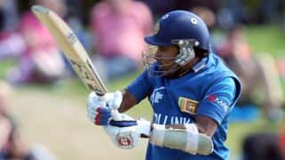 Video: Mahela Jayawardene takes 'Six and Out' challenge during CPL 2015