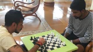 युजवेंद्र चहल ने ईश सोढ़ी को शतरंज में तीन बार दी मात