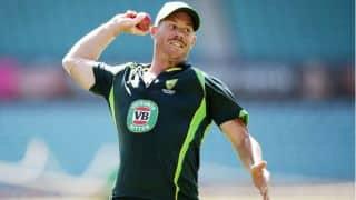 Martin Crowe slams Warner for spat against Rohit