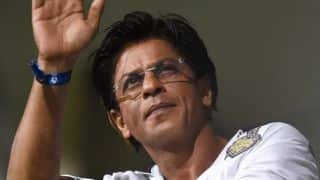 SRK arrives two hours late for KKR victory celebration