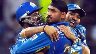 Harbhajan Singh wants Mumbai Indians' bowlers to continue picking wickets