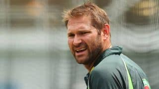 Ryan Harris delays knee surgery until after South Africa tour