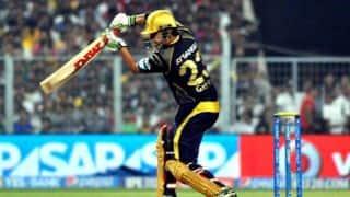 Gautam Gambhir dismissed in run-chase agains Sunrisers Hyderabad in IPL 2014