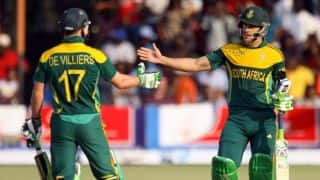 AB de Villiers apologises to Faf du Plessis for missed record century