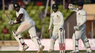 Hamilton Masakadza scores his 9th Test half-century
