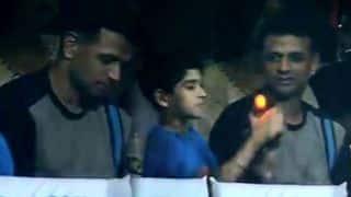 द्रविड़ ने VIP बॉक्स छोड़ आम जनता के बीच बैठ देखा मैच, फैन हुए सादगी के कायल