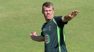 David Warner questions South Africa's tactics to generate reverse swing