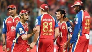 Yuvraj Singh bowls Karun Nair