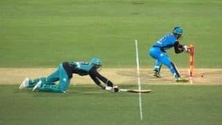Big Bash League 2018-19: Fielding team recalls batsman back after umpiring blunder