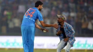 Virat Kohli on Ashish Nehra: To have played 19 years is very hard for a fast bowler