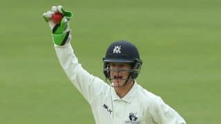Victoria's wicketkeeper Harper suffers concussion in Sheffield Shield tie